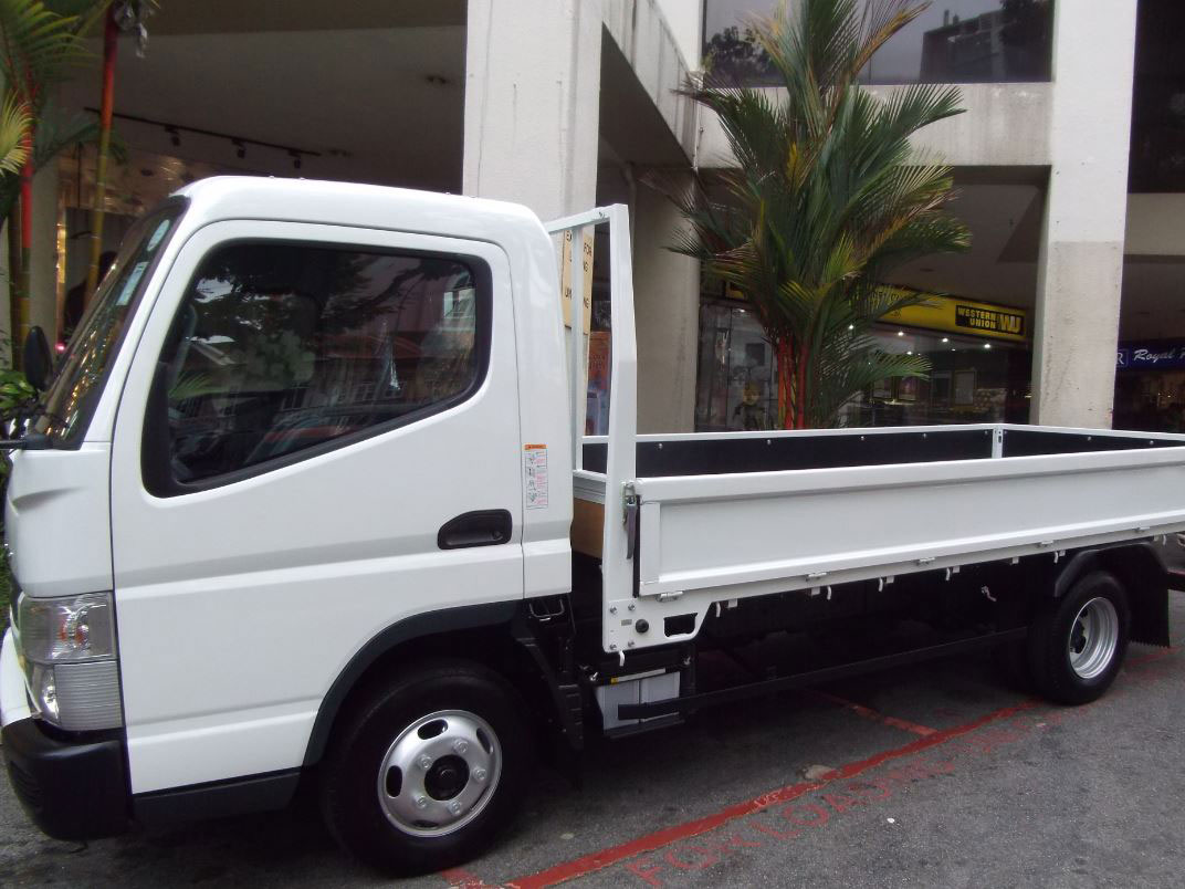 14FT Mitsubishi Fuso (For Rent)