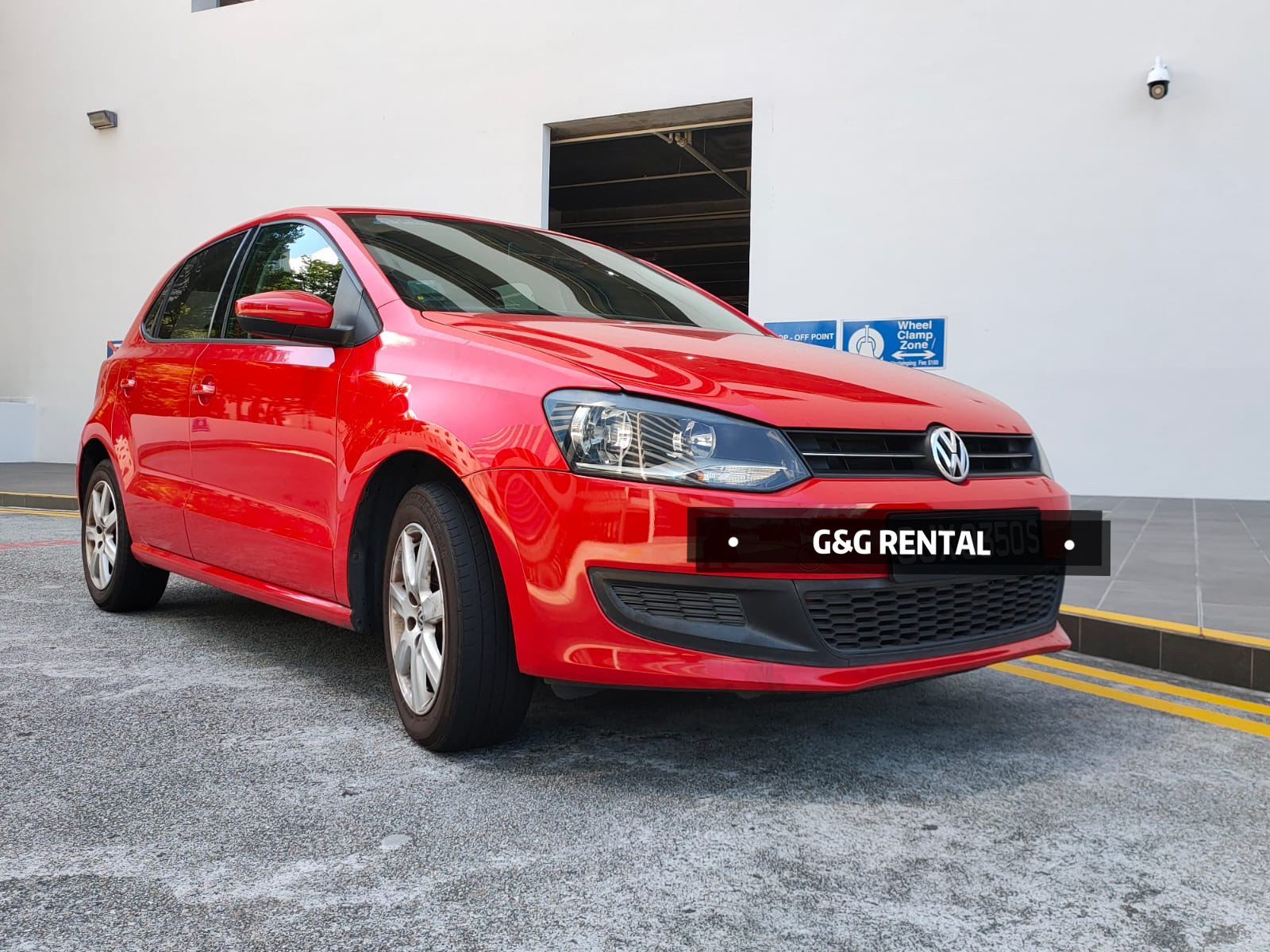 Volkswagen Polo 1.4A (For Rent)