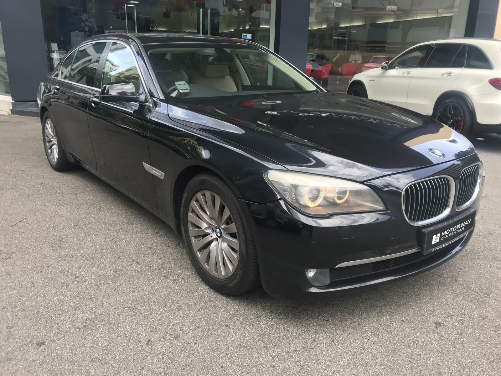 BMW 7 Series 730i (For Rent)