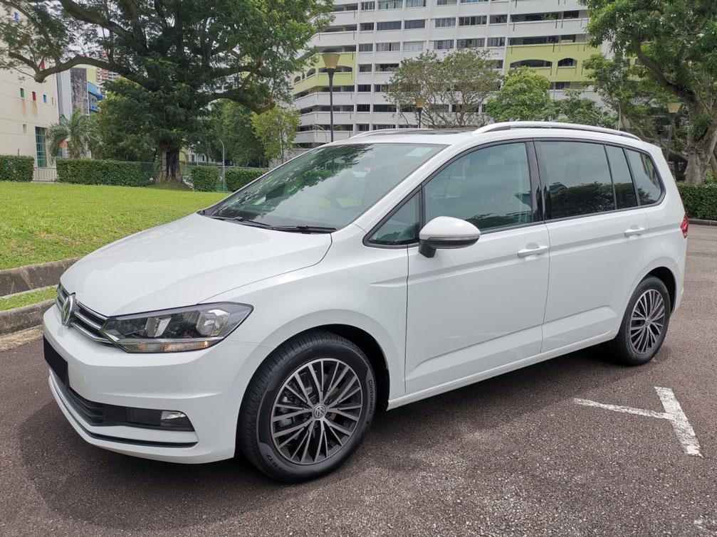 Volkswagen Touran Sunroof (For Rent)