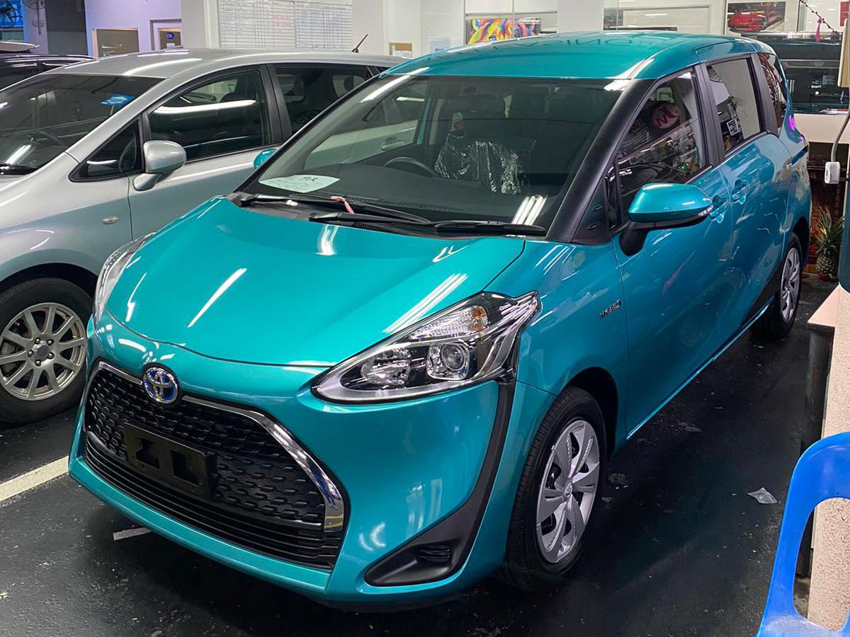 Toyota Sienta Hybrid 1.5A (PHV Private Hire Rental)