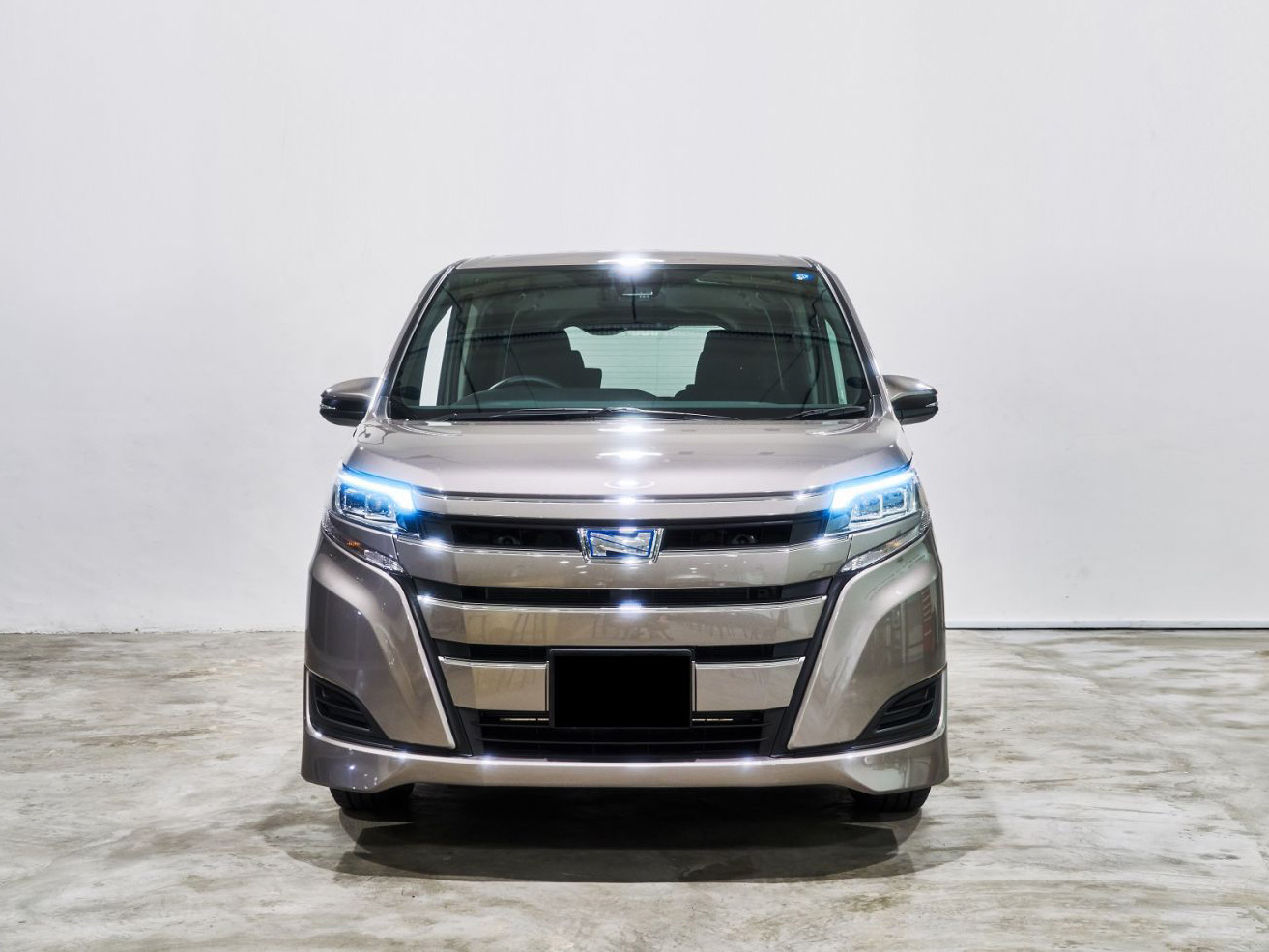 Toyota Noah Hybrid 1.8A Brand New 7 Seater (For Lease)