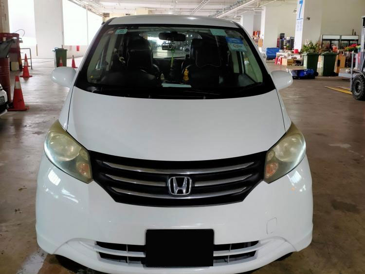 Honda Freed (For Lease)
