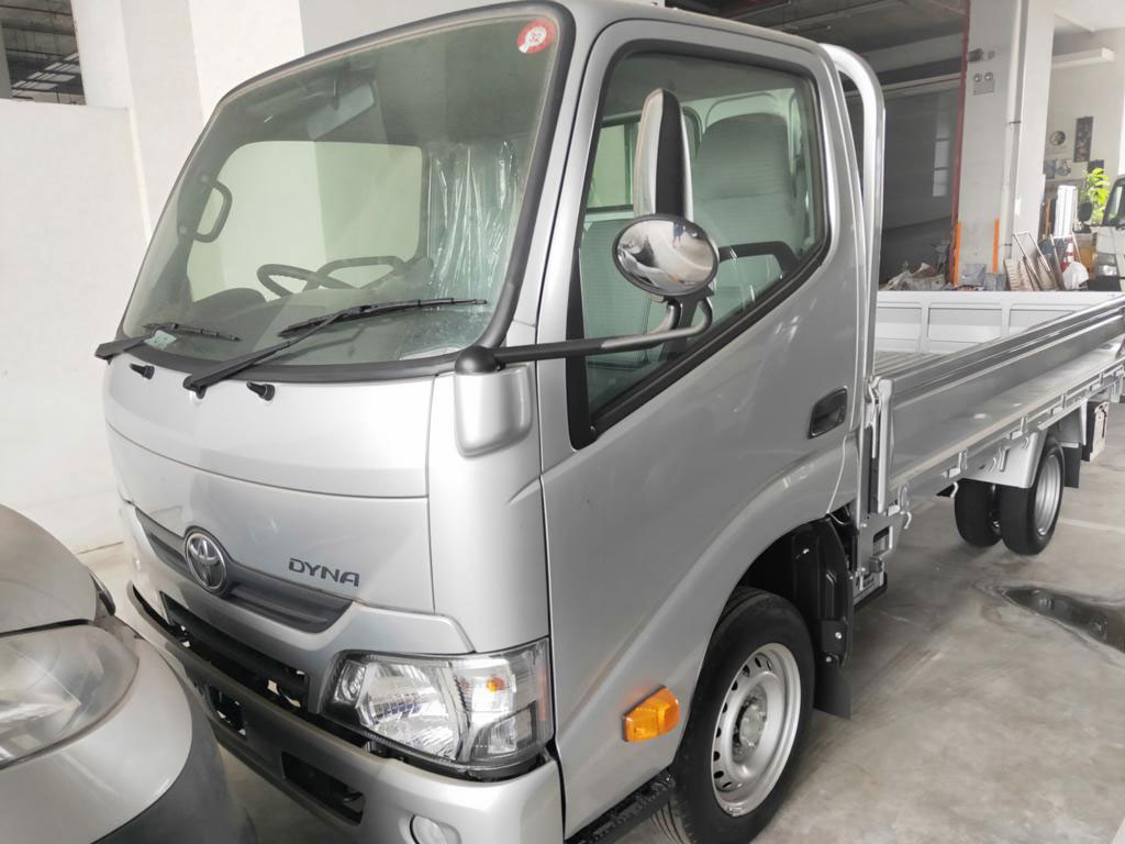 10FT Toyota Dyna (For Rent)