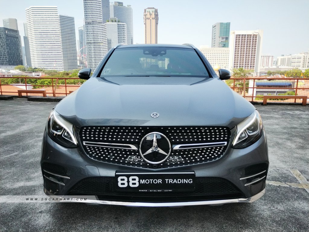 Mercedes-Benz GLC-Class GLC250 AMG Line 4MATIC Sunroof & Moonroof (For Lease)