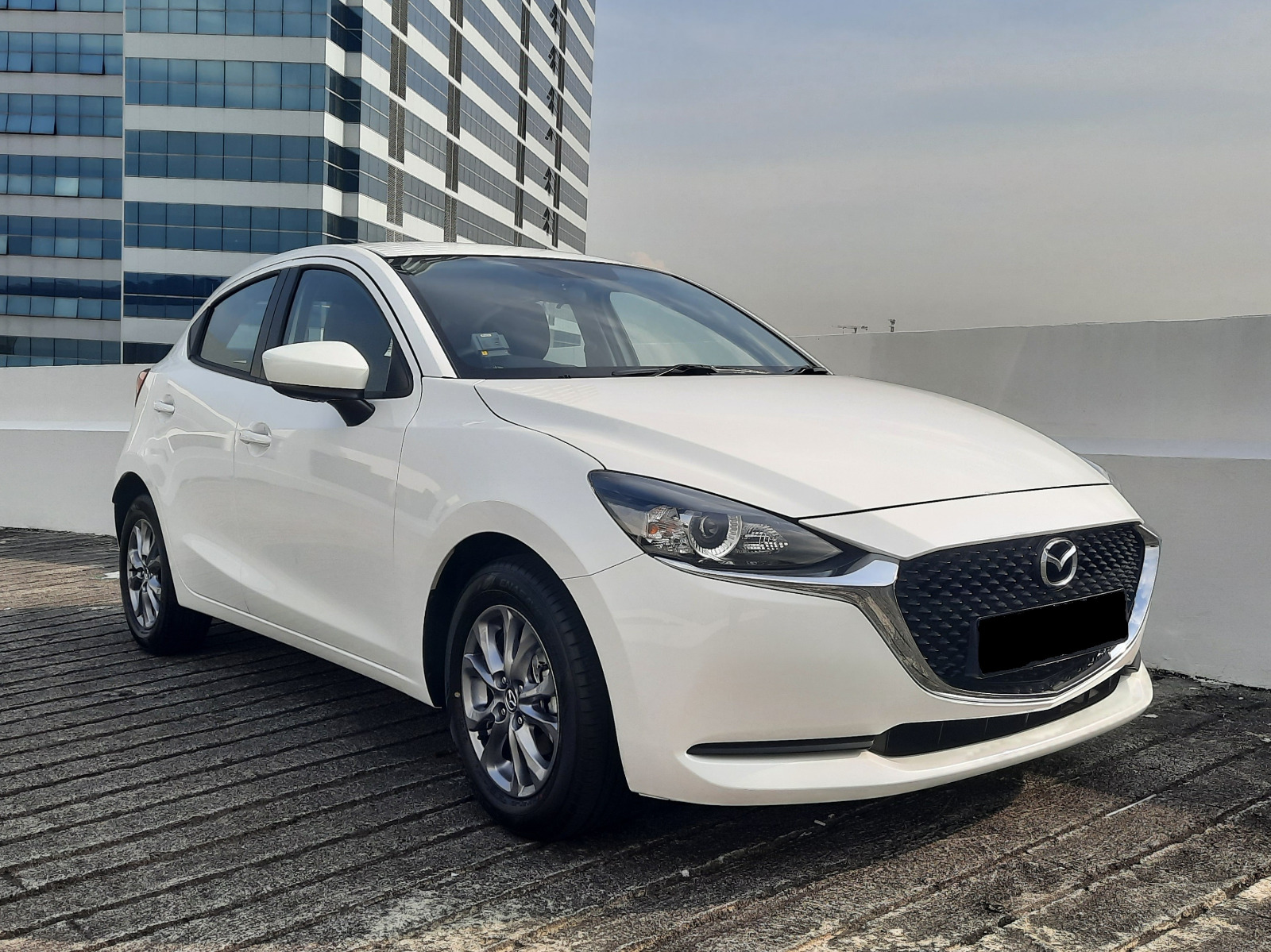 Mazda 2 Hatchback Facelift 1.5A Brand New (For Lease)