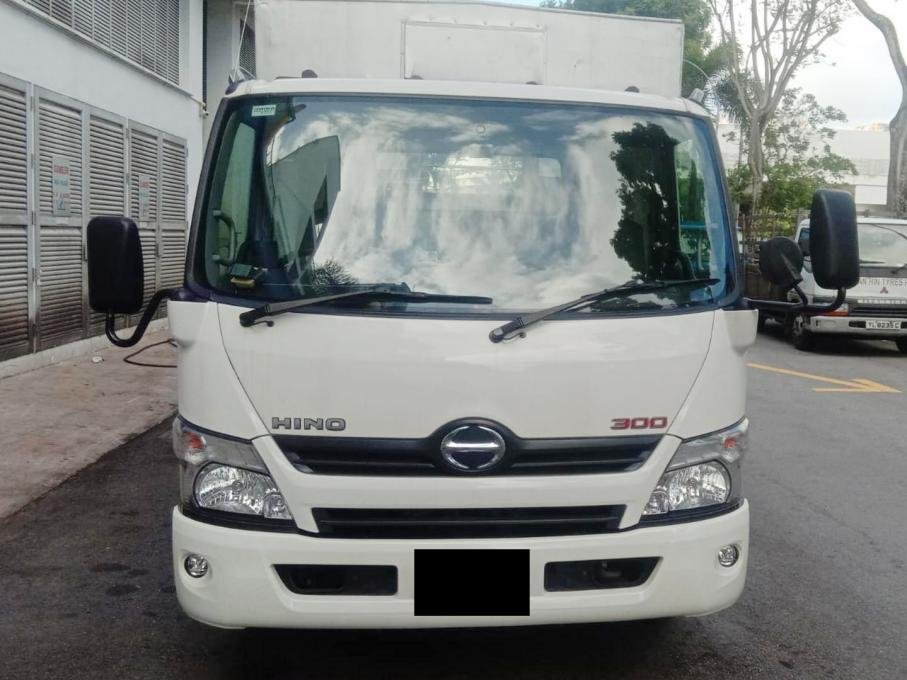 Hino XZU710R 14FT Truck With Canopy (For Rent)