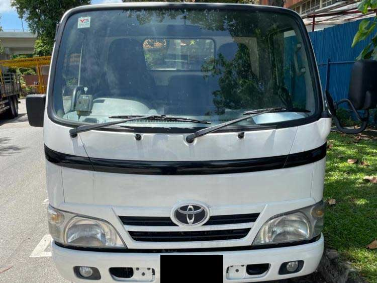Toyota Dyna With Canopy Manual Diesel (For Lease)