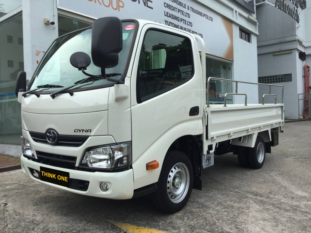 10 FT Toyota Dyna (For Lease)