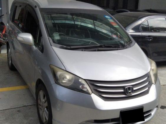 Honda Freed (For Rent)