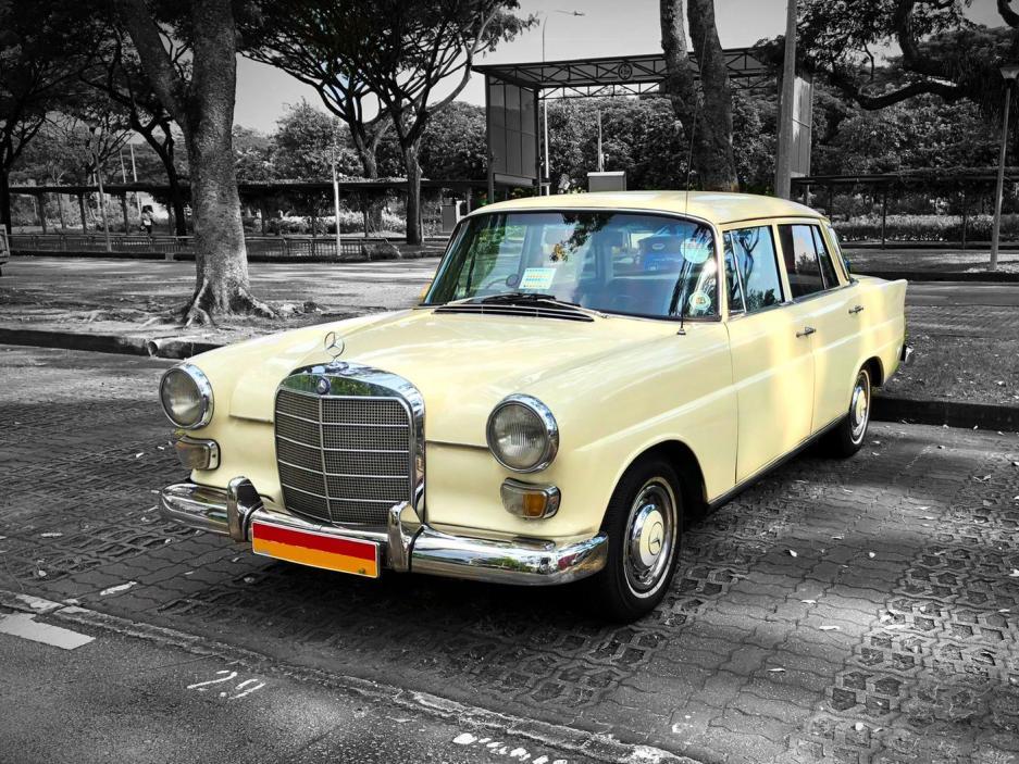 1968 Mercedes-Benz 200 Fintail (Wedding Car Rental)