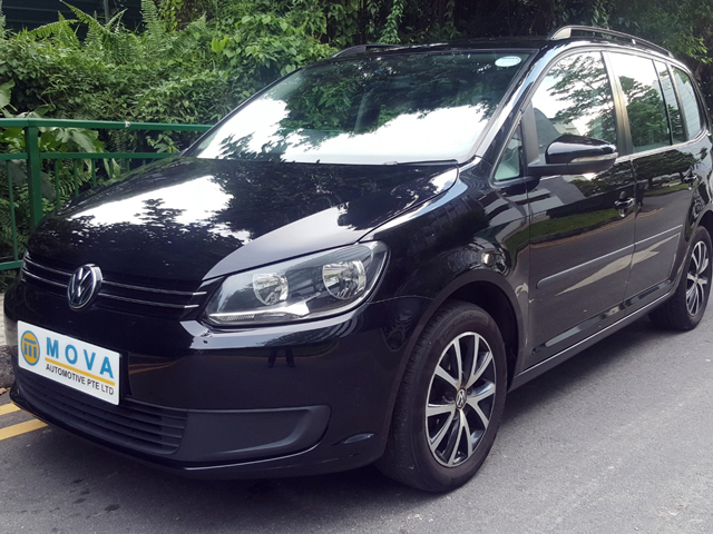 Volkswagen Touran (For Rent)