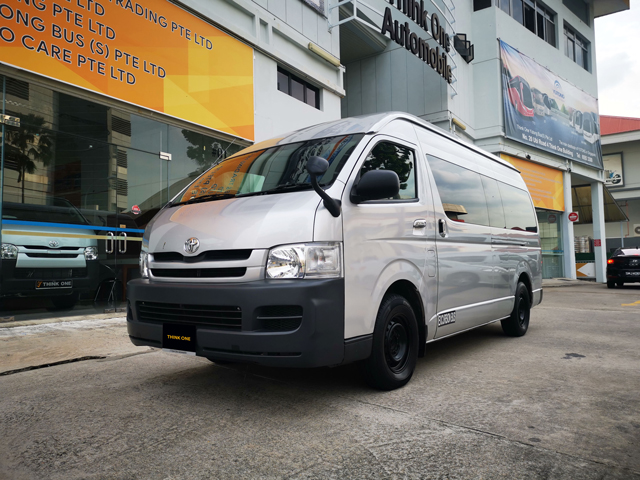 Toyota Hiace Commuter High Roof Euro 3 (For Lease)