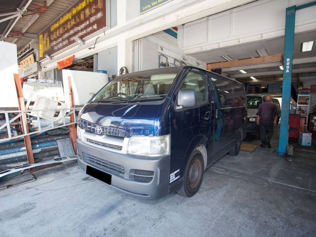 Toyota Hiace KDH200 (For Rent)