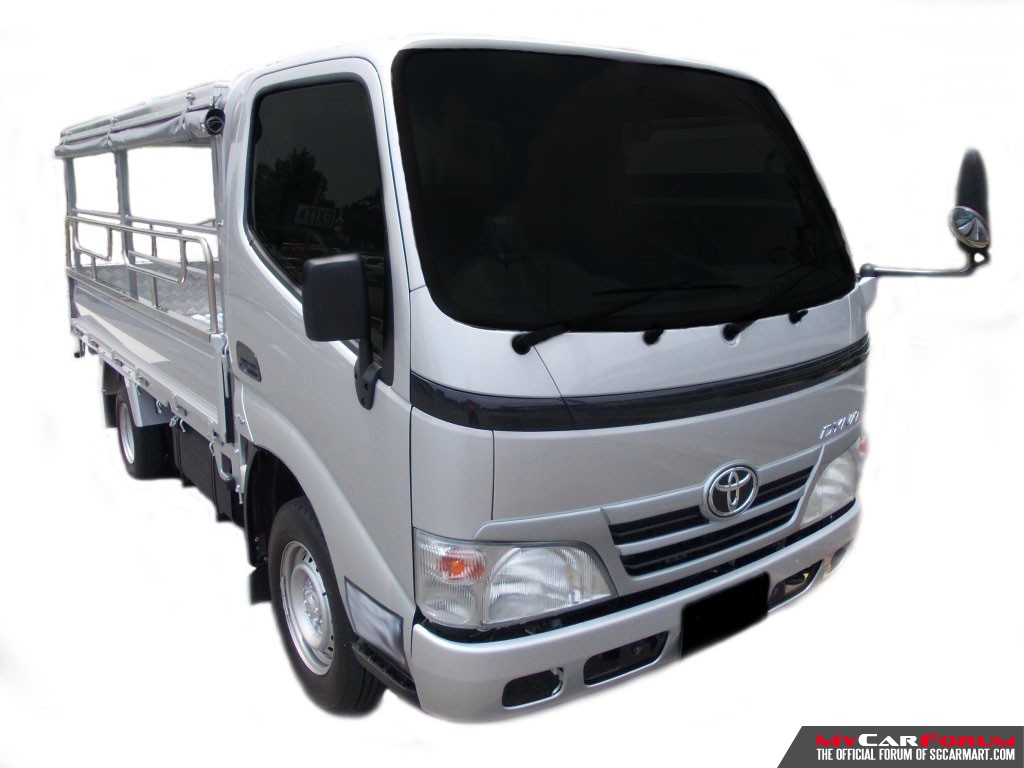 10 FT Toyota Dyna With Canopy (For Rent)