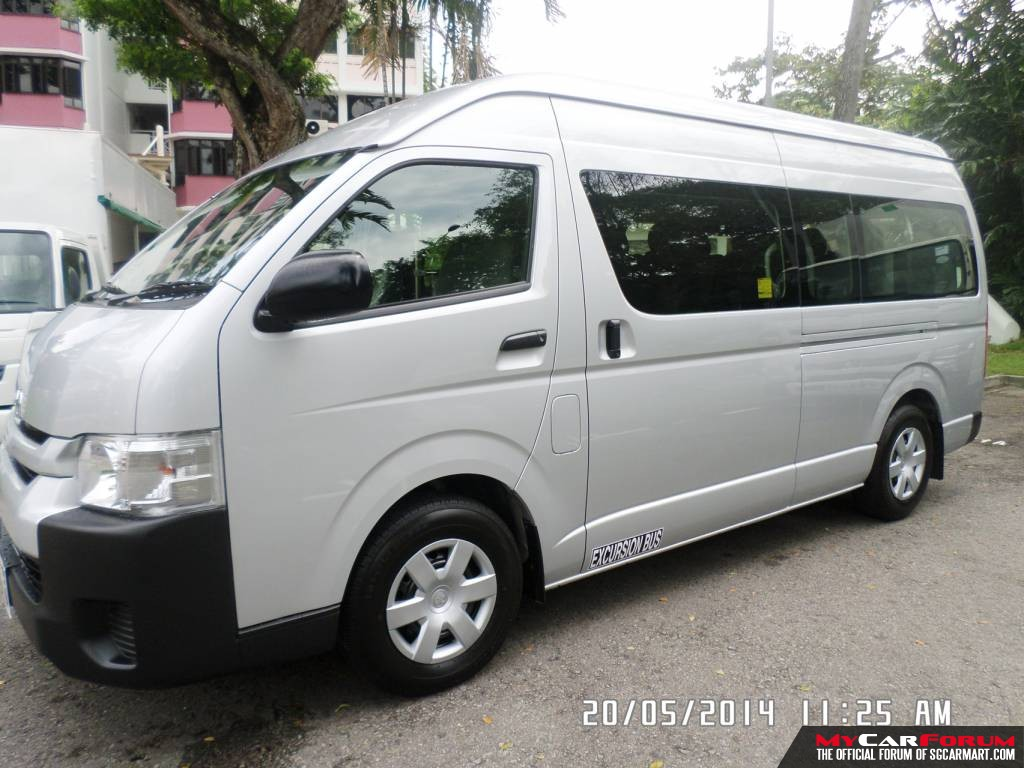Toyota Hiace High Roof Commuter Auto (For Rent)