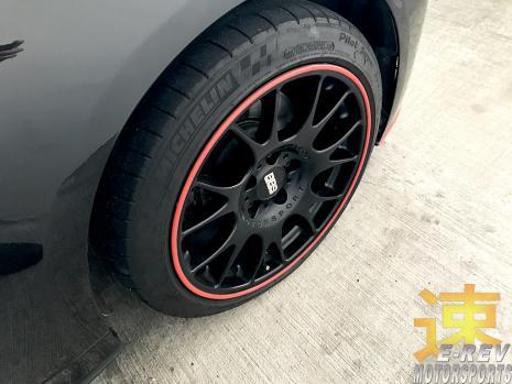 https://www.mycarforum.com/uploads/sgcarstore/data/3//41571298579_0BMW-E90-Black-Car-Rim-Protector-Pic-1.jpg