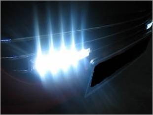 https://www.mycarforum.com/uploads/sgcarstore/data/3//Peugeot_207_Day_Running_Light_5_13.JPG