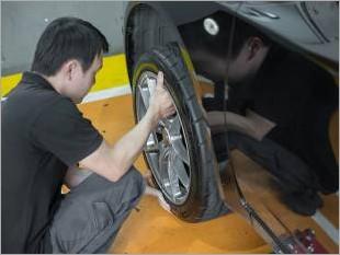 https://www.mycarforum.com/uploads/sgcarstore/data/4//TyreRotation_38296_1.jpg