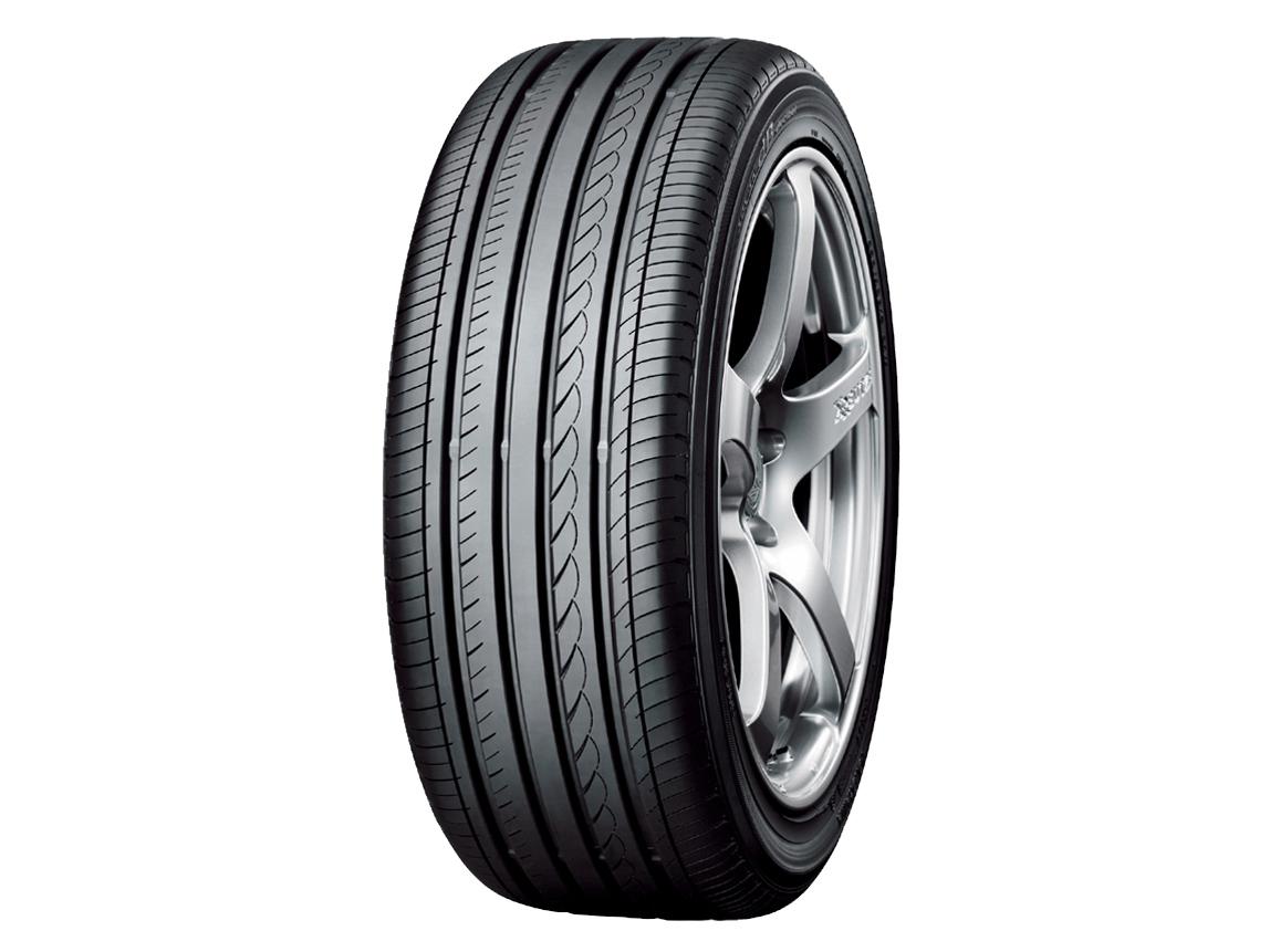Toyo / Yokohama 215/50/R17 Tyre