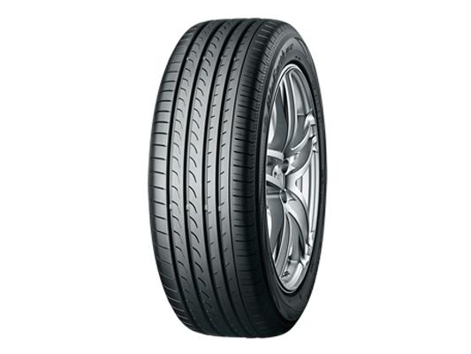 Yokohama 215/55/R17 Tyre
