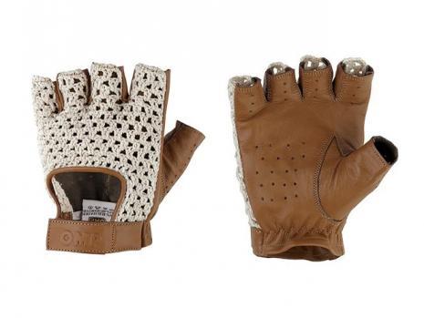 https://www.mycarforum.com/uploads/sgcarstore/data/8//81568704497_0edit-omp_tazio_gloves.jpg
