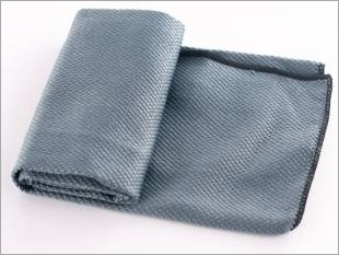 https://www.mycarforum.com/uploads/sgcarstore/data/9//Weaver Glass Cloth_56189_1.jpeg
